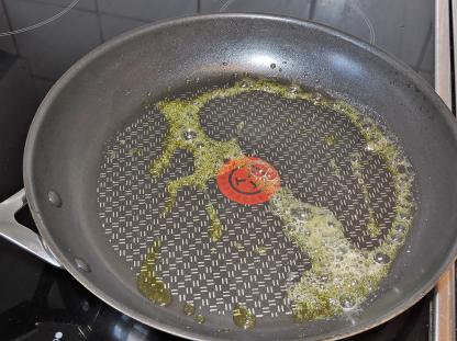 Smält olivolja och smör