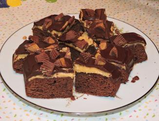Chokladbrownies med jordnötssmör och Peanut Butter Cups